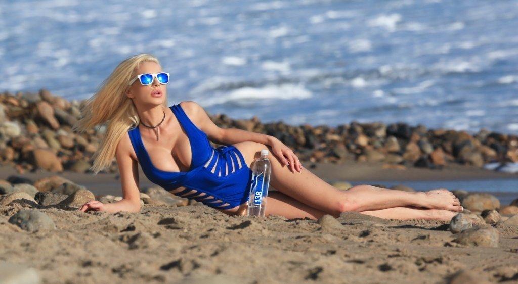 Kate Compton Sexy (50 Photos)