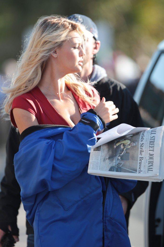 Kelly Rohrbach Cleavage (31 Photos)