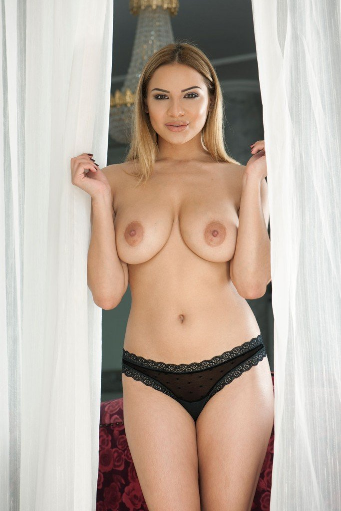 Lacey White Nude 112
