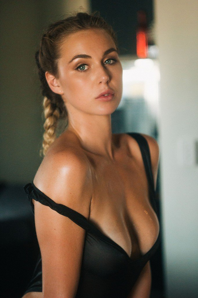 Paige Marie Evans Nude & Sexy (15 Photos)