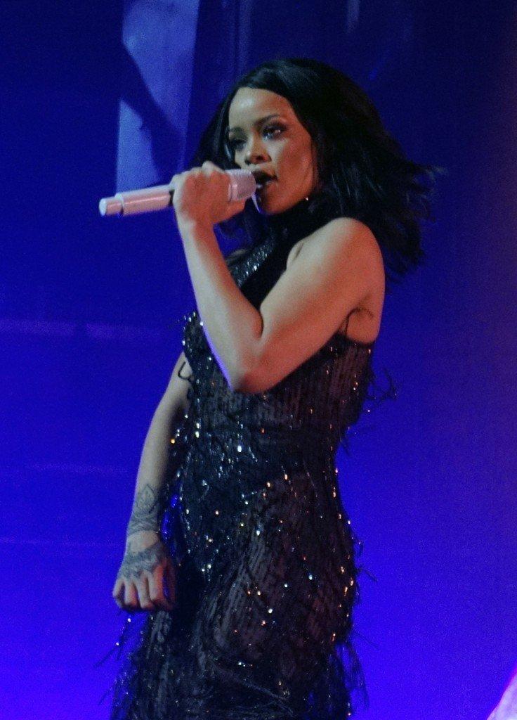 Rihanna See Through (18 Photos)