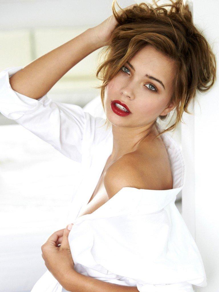 Sandra Kubicka Sexy 11
