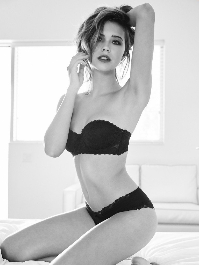 Sandra Kubicka Sexy 15
