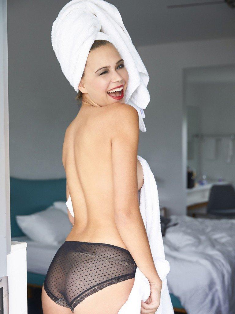 Sandra Kubicka Sexy 19