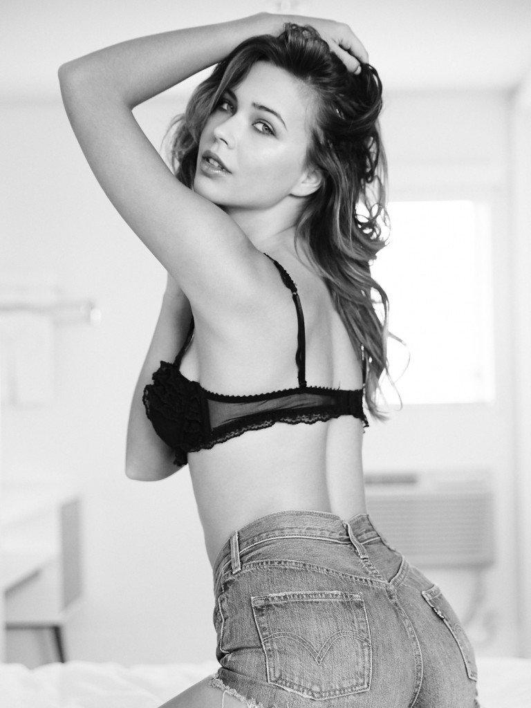 Sandra Kubicka Sexy 3