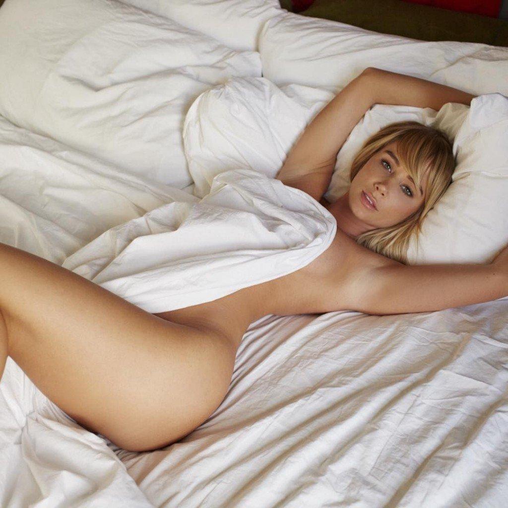 Sara Underwood Sexy & Nude (5 Photos)