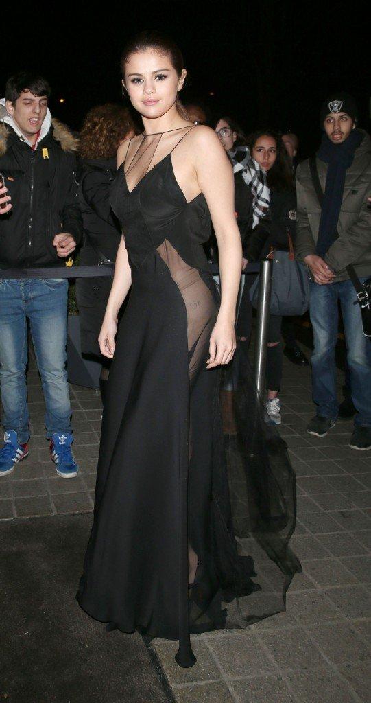 Selena Gomez Braless 1