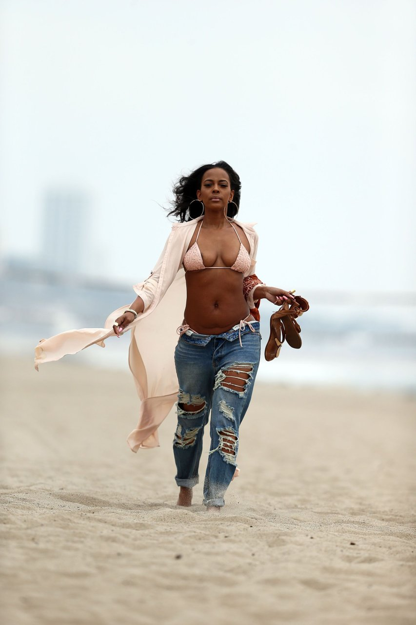 Tessa ferrer topless