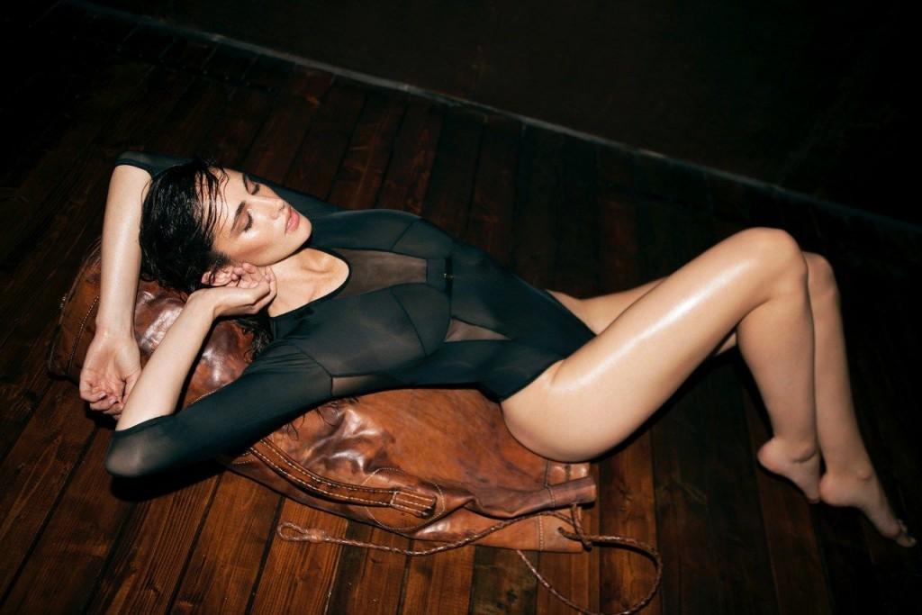 Xamira Zuloaga Topless & Sexy 3