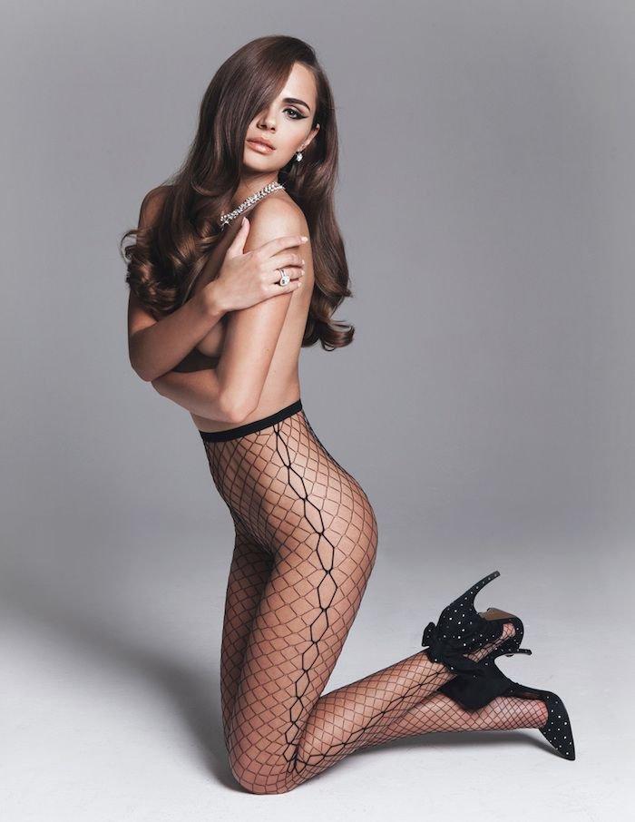 Xenia Deli Topless (2 Photos)