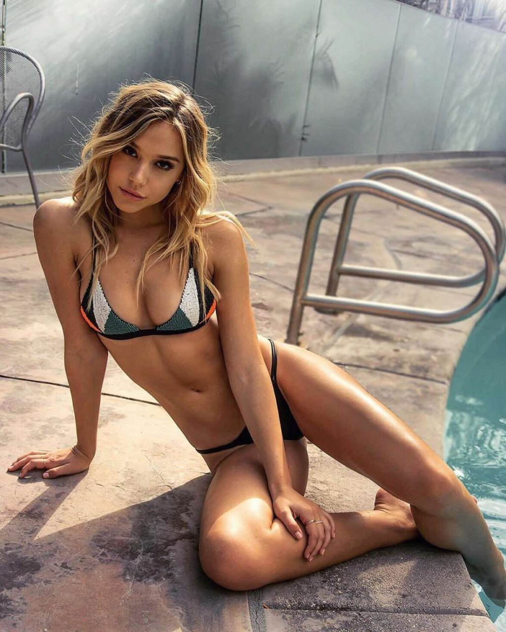 Alexis naked