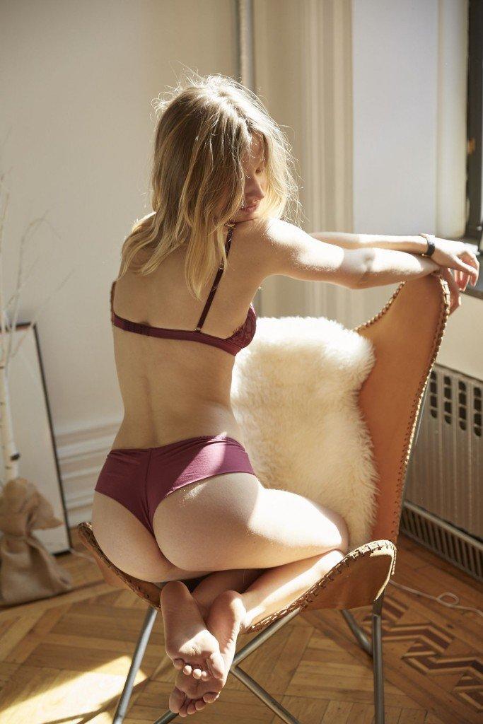 Amanda Nørgaard Sexy (8 Photos)