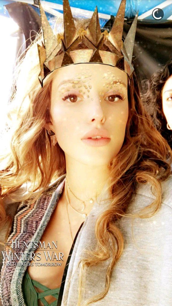 Bella Thorne Sexy (9 New Photos)