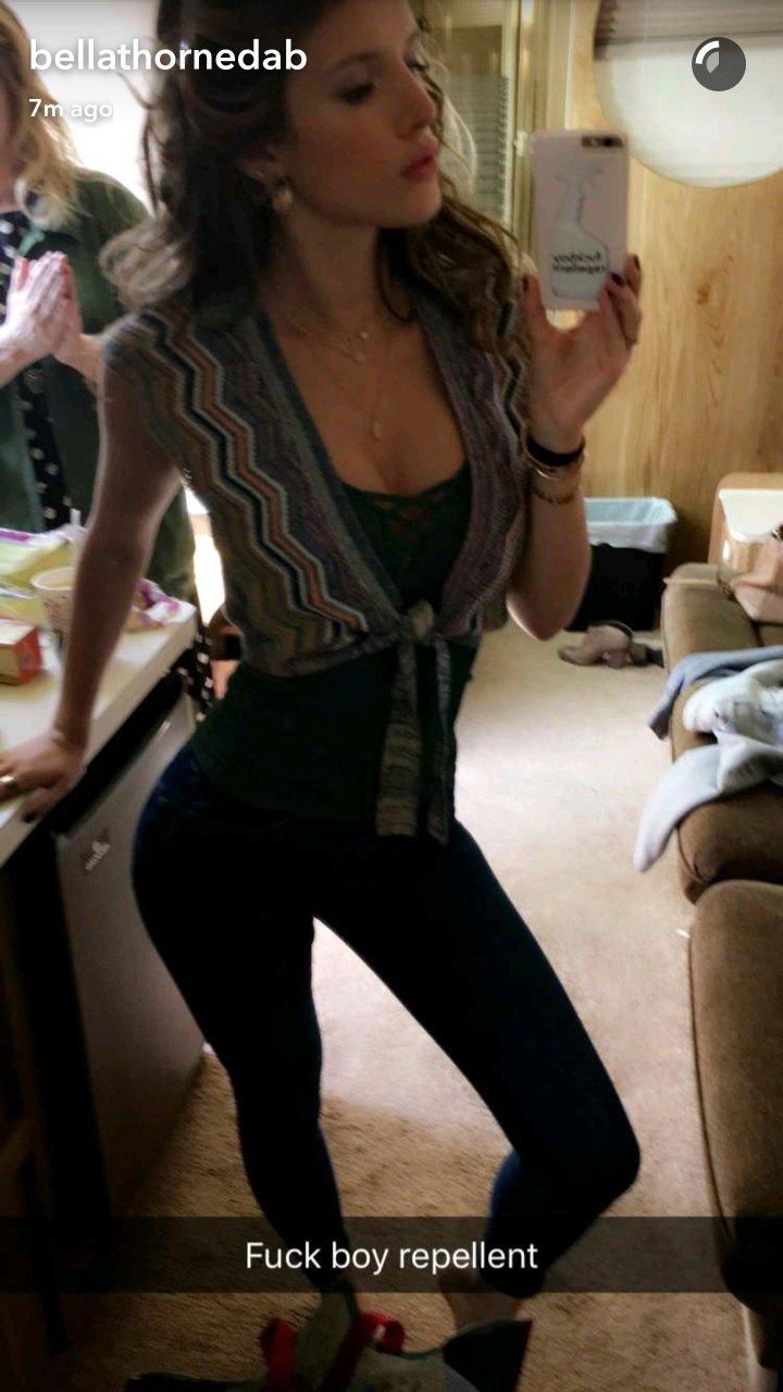 Sexy photos of bella thorne
