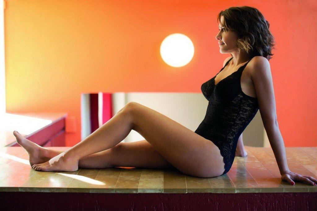 Emma de Caunes Sexy 5