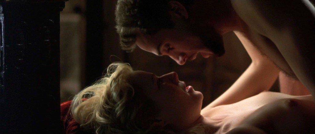 Gwyneth Paltrow Nude – Shakespeare in Love (1998) HD 1080p