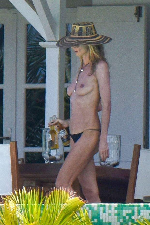 Superstar Bart Nude Photos