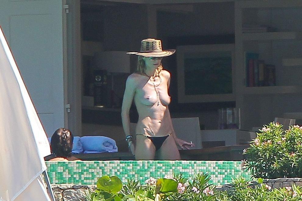 Heidi Klum Topless 35