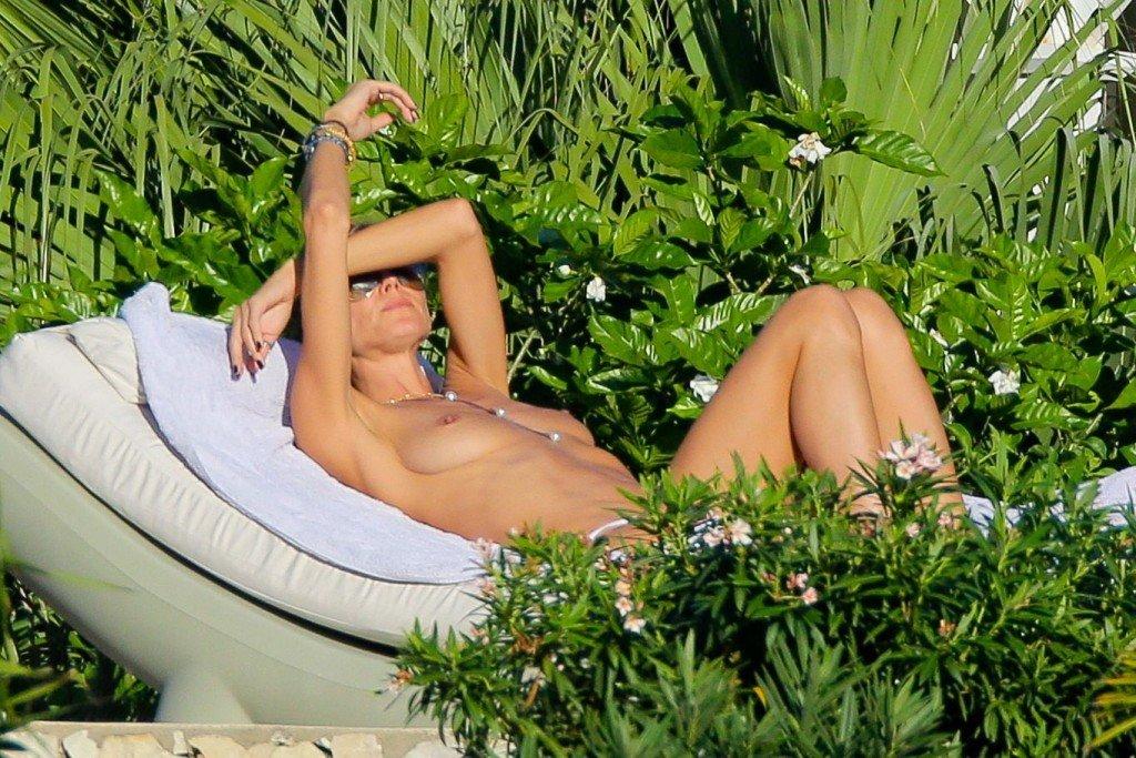 Heidi Klum Topless 36