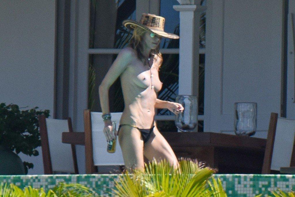 Heidi Klum Topless 37