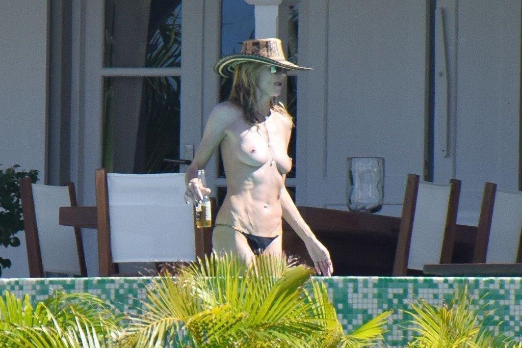 Heidi Klum Topless 39