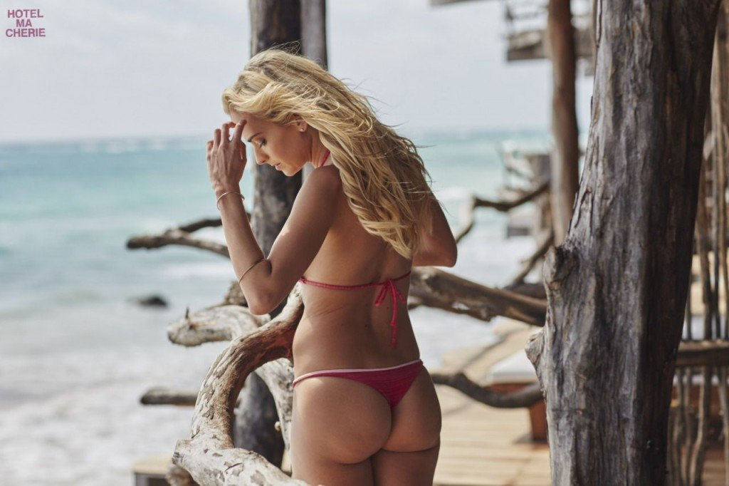 Jena Sims Nude Sexy 32