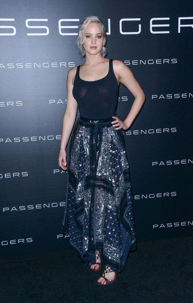 Jennifer Lawrence Sexy (8 Photos)