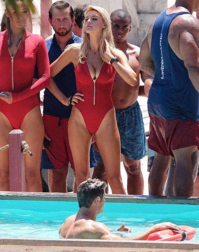Kelly Rohrbach, Alexandra Daddario, Ilfenesh Hadera Sexy 11