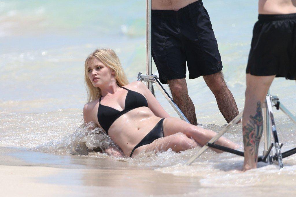 Lara Stone Sexy & Topless (80 Photos)