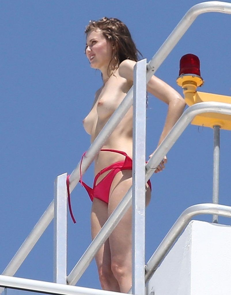 Lindsey Wixson Topless & Sexy 3