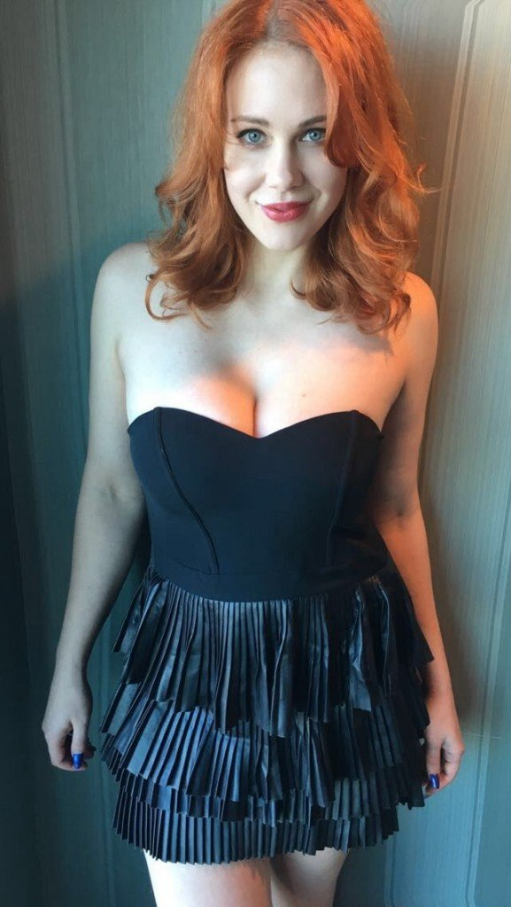 Maitland Ward Topless & Sexy (5 Photos)
