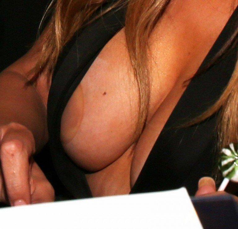 Mariah tits