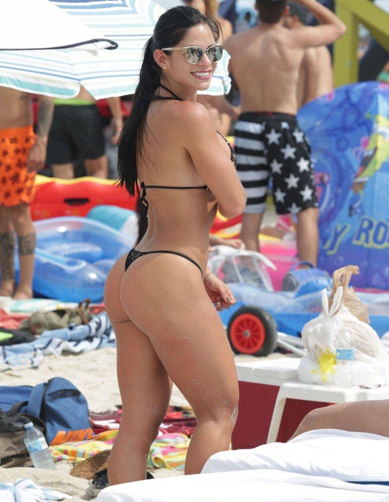 Michelle Lewin Sexy 17