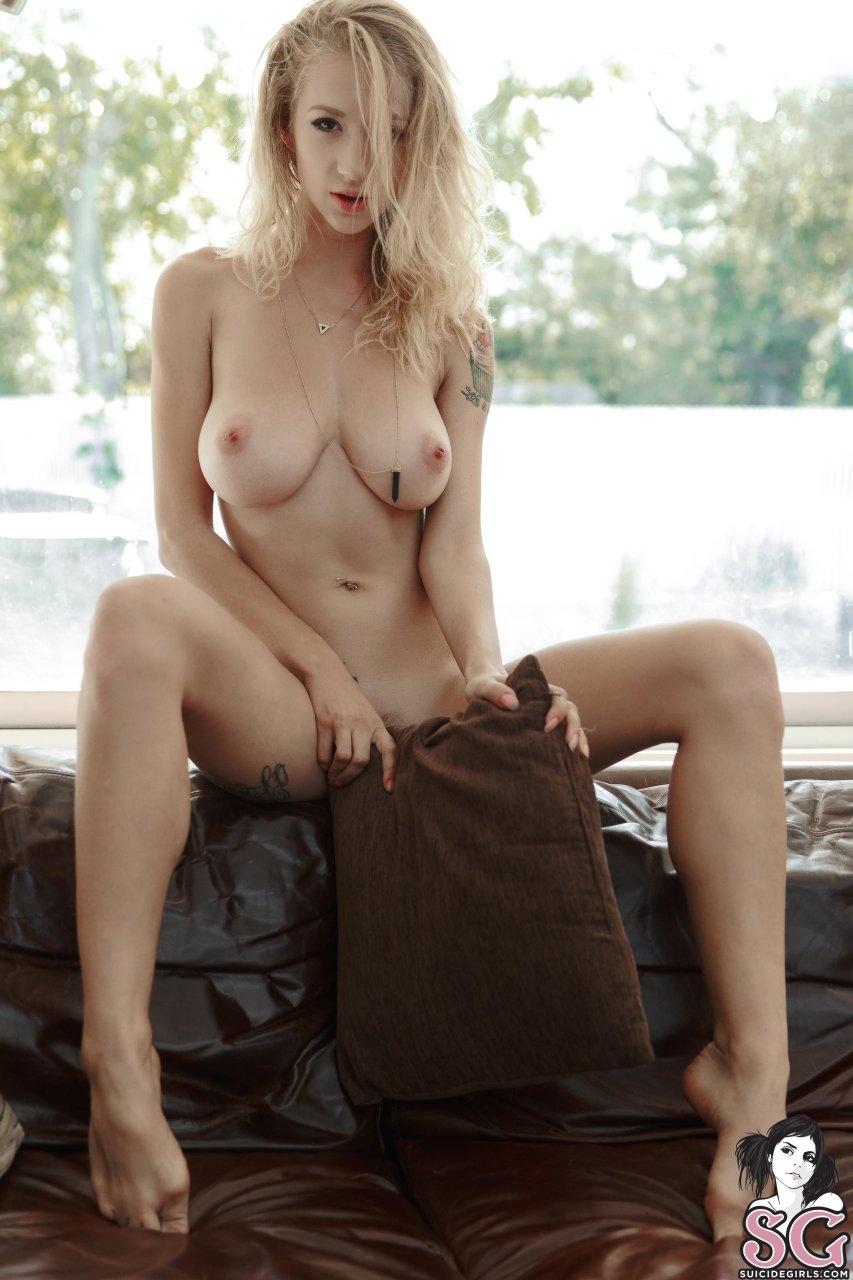 Natasha Legeyda  nackt
