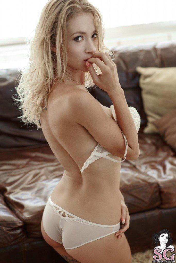 Natasha Legeyda Nude & Sexy (49 Photos)