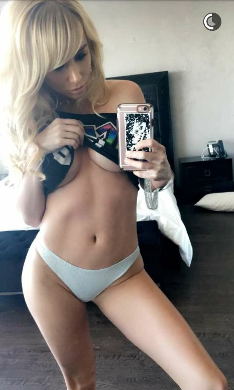 Sara Jean Underwood Sexy Topless 5