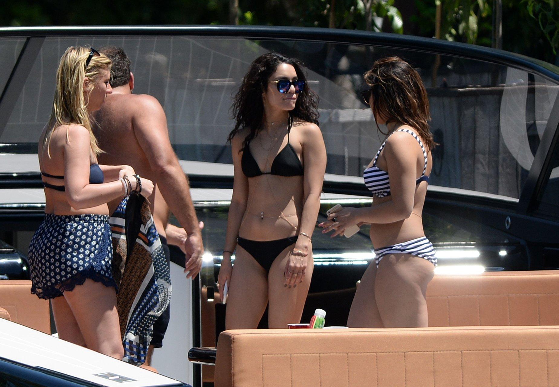 Vanessa hudgens so hot 2