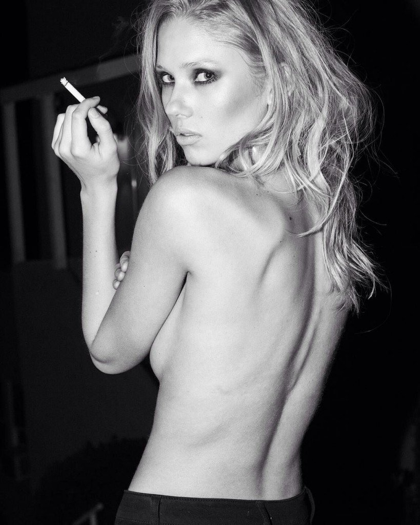 Berit Birkeland Sexy & Topless (8 Photos)