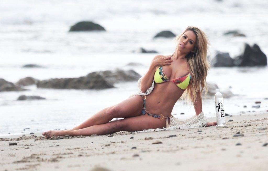 Chantel Zales Sexy (45 Photos)