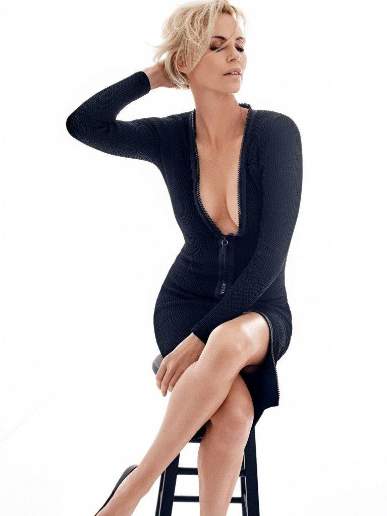 Charlize Theron Sexy (8 Photos)
