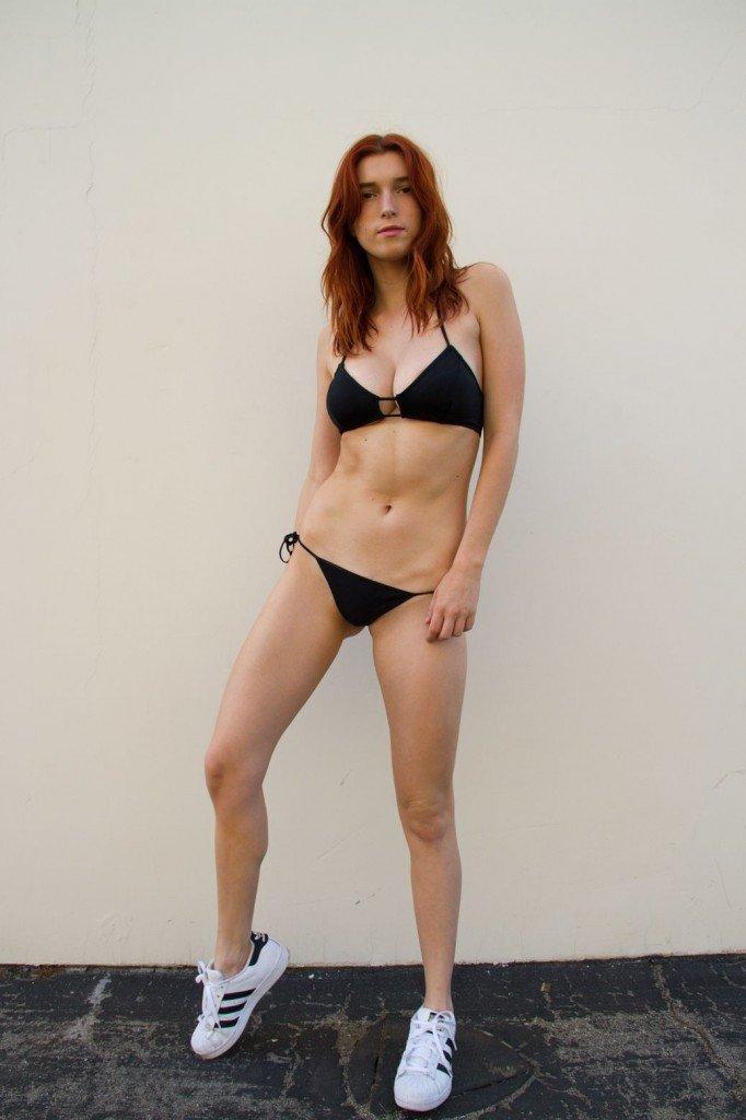 Hot body and thorn | Porno foto)