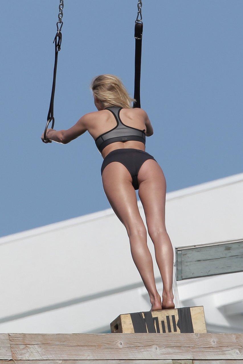 Jennifer lopez booty live orlando - 2 part 4