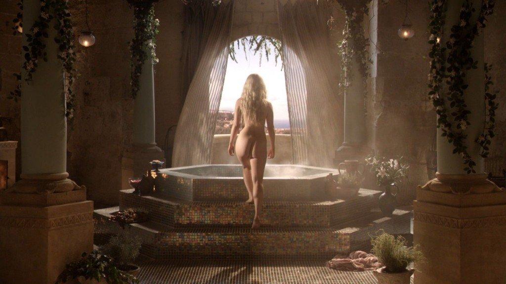 Emilia Clarke Nude 10
