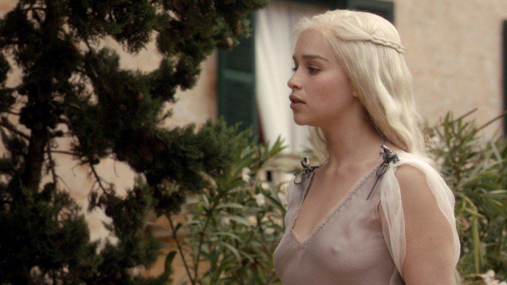 Emilia Clarke Nude 16