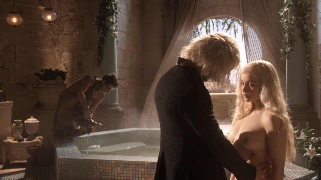 Emilia Clarke Nude 5