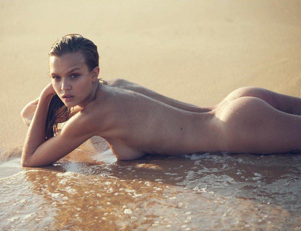 Josephine Skriver Nude 1