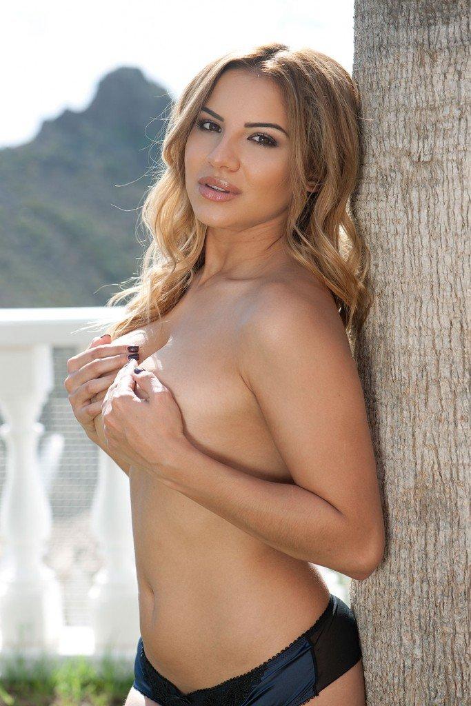 Lacey Banghard Topless (3 Photos)