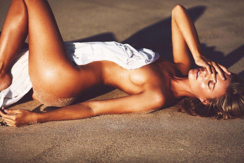 Maya Stepper Nude (10 Photos)