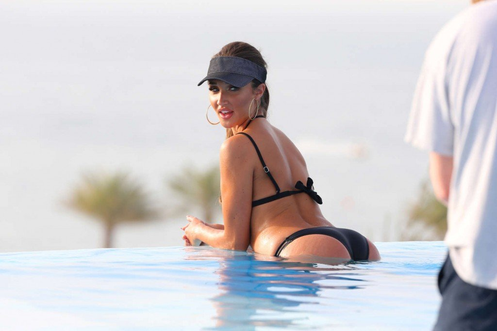 Megan McKenna Sexy (16 Photos)