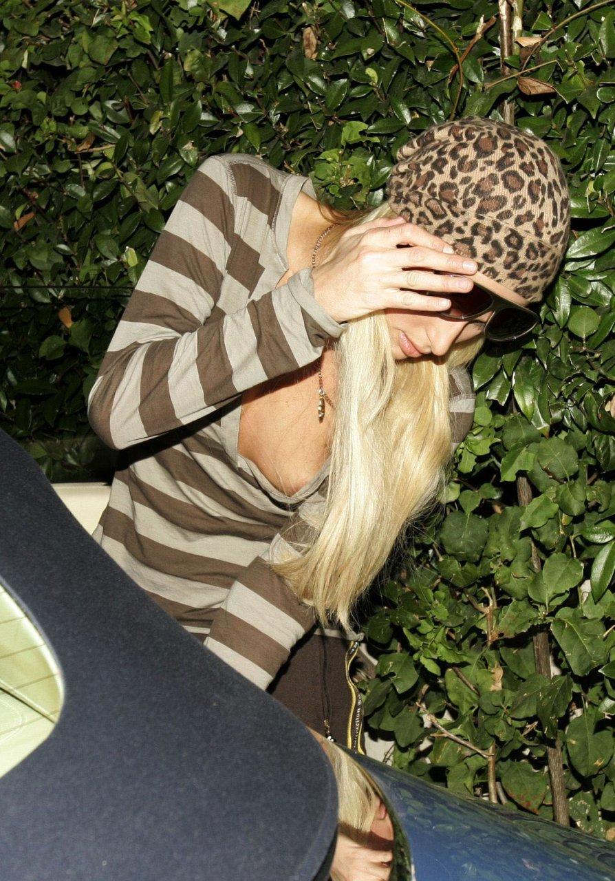 Free Online Paris Hilton Porn 81